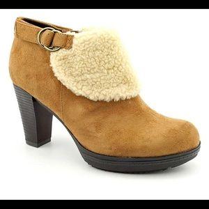 Naturalizer N5 brown shearling suede heel booties